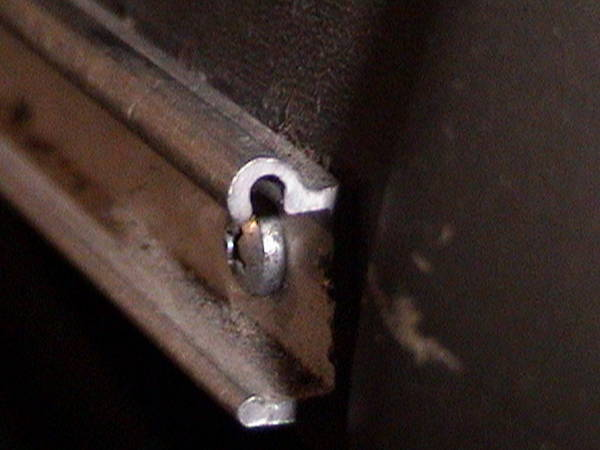 Drivers removable table bracket