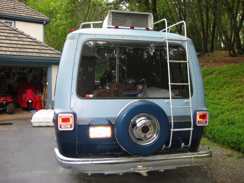 Bent rear bumper segment