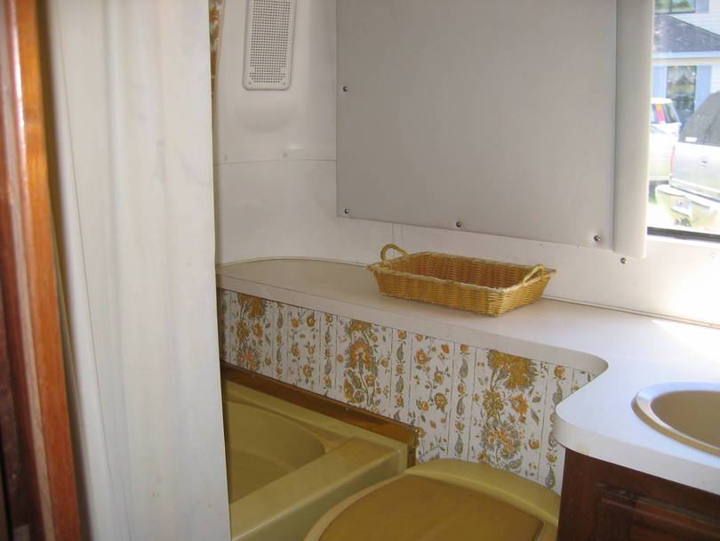The Colonel a 1977 Royale Rear Bath