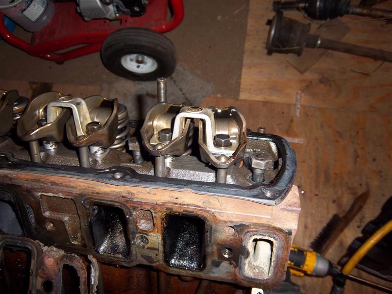 engine_disassembly_009_Medium_