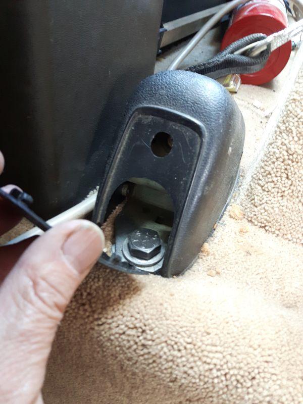 Remove the Outboard Retractor