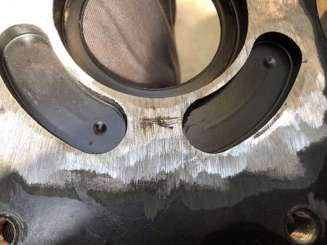 Witness marks on the back of the caliper plate